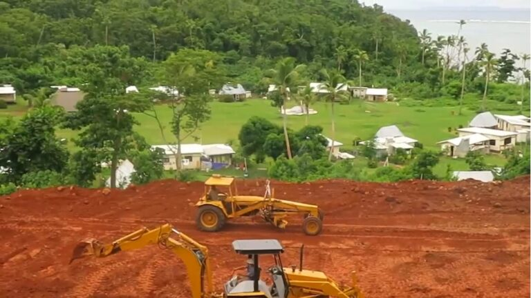 Site preparation for the new school / cyclone-refuge on higher ground above Ciqomi.